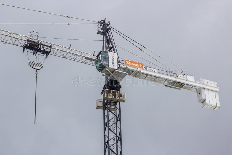 在站点的一架凯西塔吊在都伯林市 图库摄影