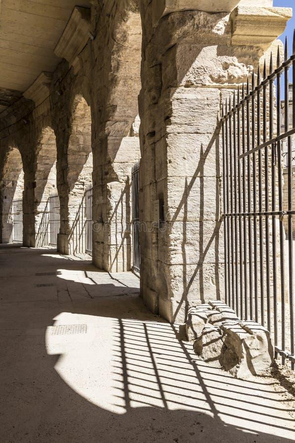 在竞技场的老墙壁在阿尔勒 免版税库存照片