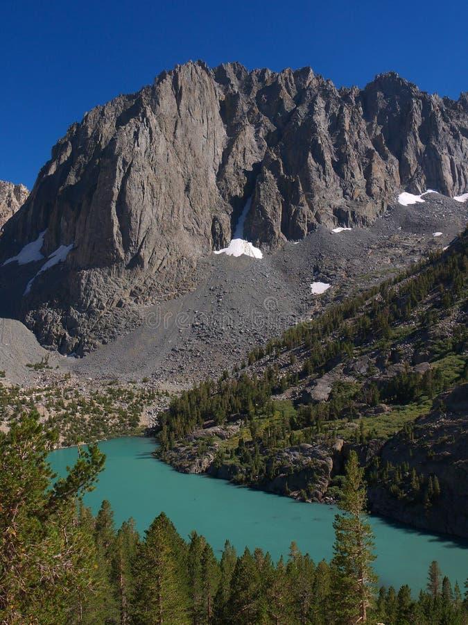 在第二个寺庙视图的碎片湖 免版税库存图片