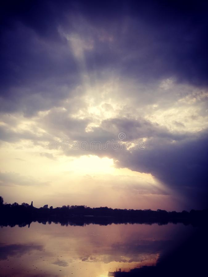 在第聂伯河的晚上 乌克兰,基辅 库存照片