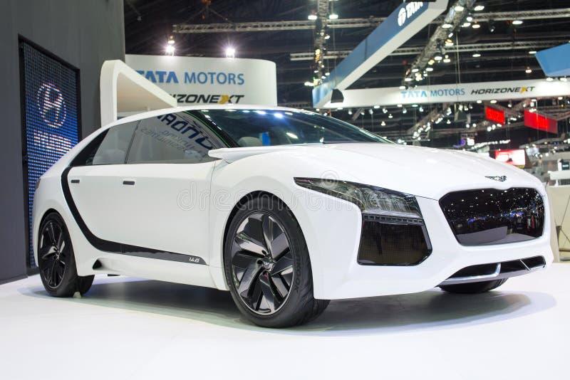 在第30泰国国际马达商展的现代概念新的想法的新的可能性2013年12月3日在曼谷, Thail 免版税图库摄影