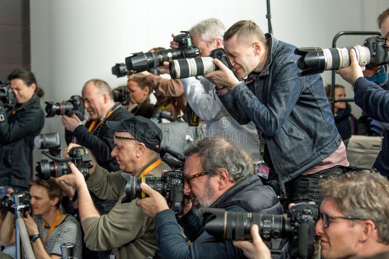 在第68 Berlinale期间的摄影师工作 库存照片