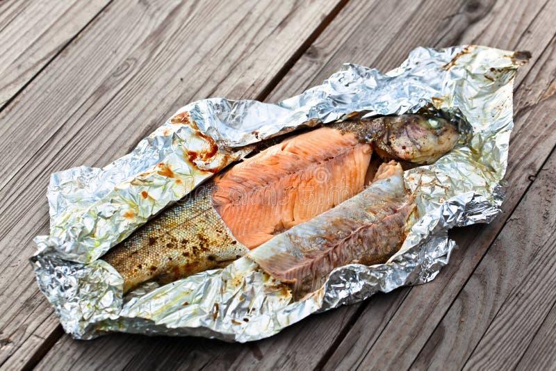 在箔烘烤的鳟鱼 库存图片