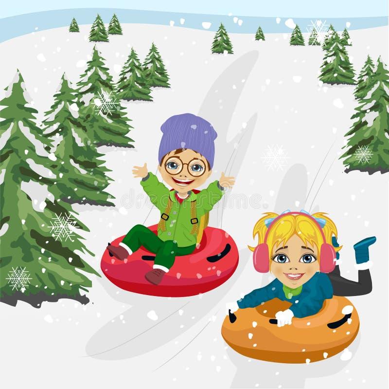 滑在管的小山下的小男孩和女孩 皇族释放例证