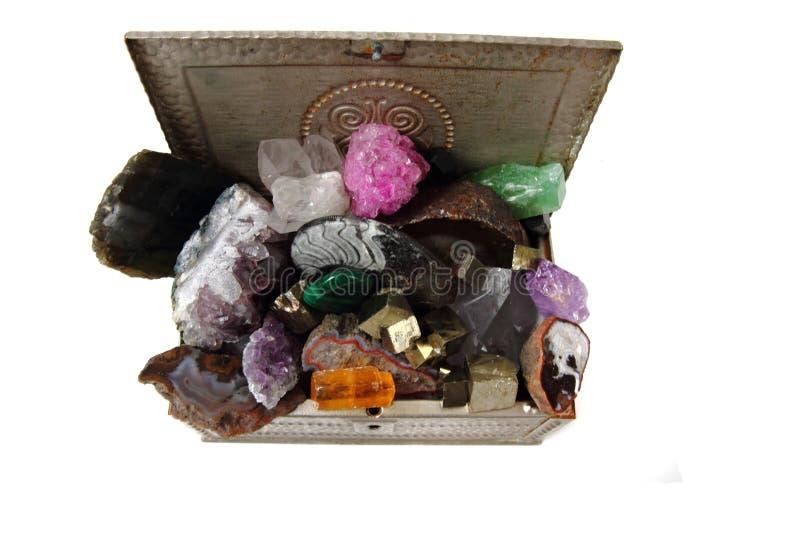 在箱子的颜色宝石 免版税库存照片