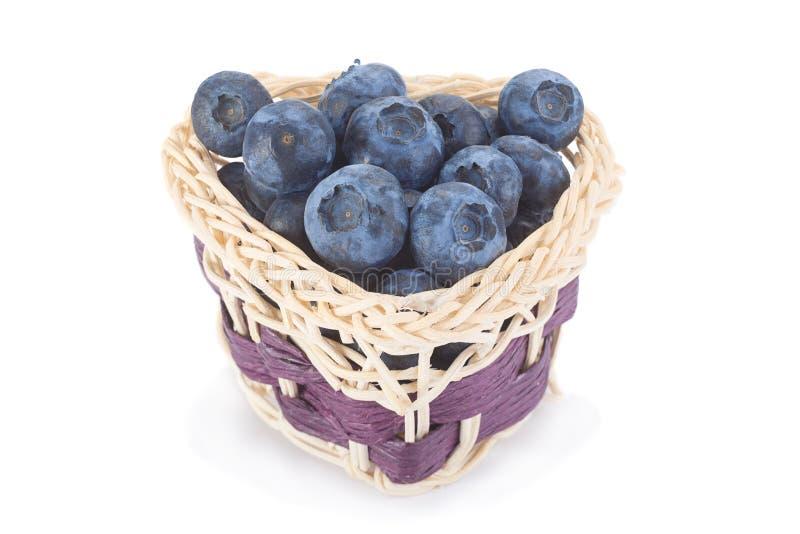 在篮子的蓝莓 免版税库存照片