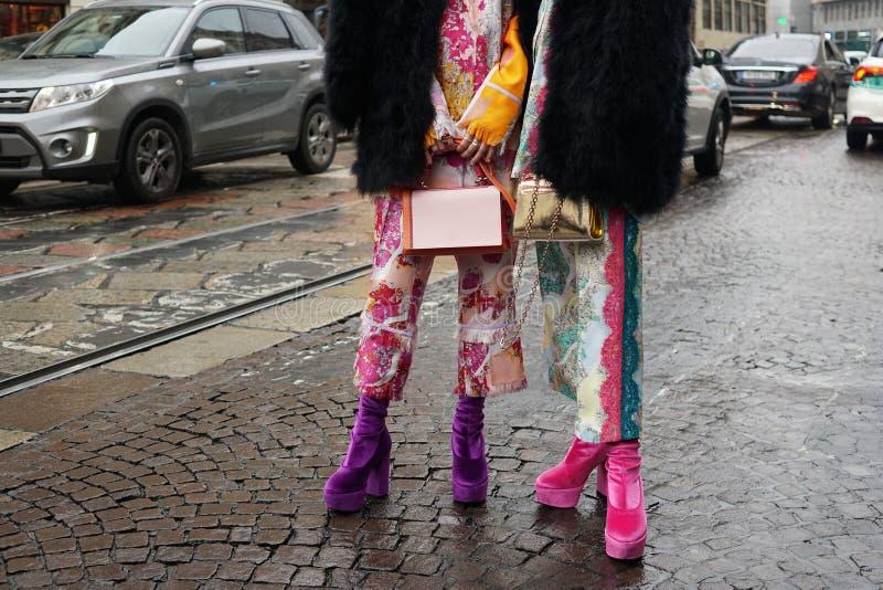 在米兰时尚星期期间,街道样式 免版税库存照片