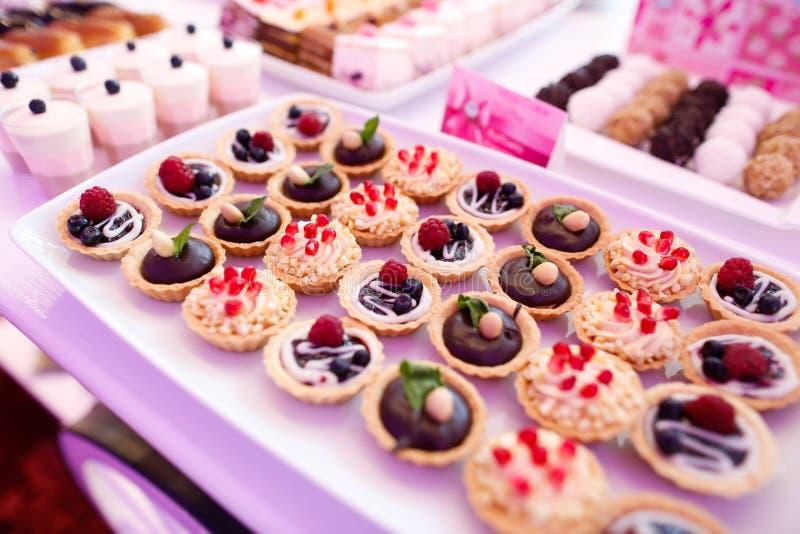 download 在糖果自助餐的可口甜点 库存照片.图片