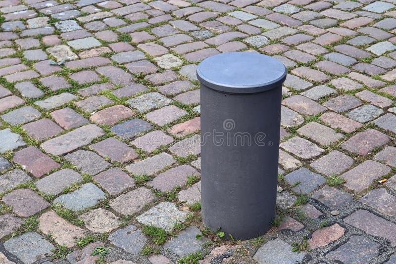 在系船柱的接近的看法在基尔港在德国 免版税库存照片