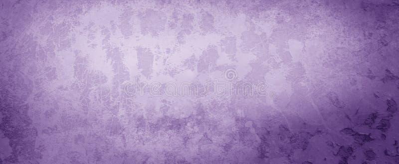 在紫色和白色难看的东西背景设计、被风化的岩石或者石脏的样式的老困厄的纹理 库存照片