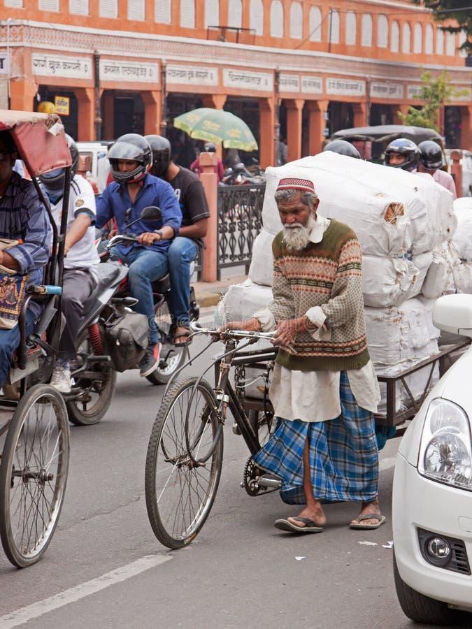 在繁忙运输的担子,斋浦尔 免版税库存照片