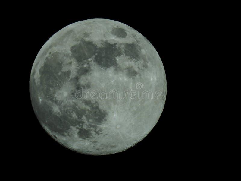 在繁星之夜天空的满月 向量例证