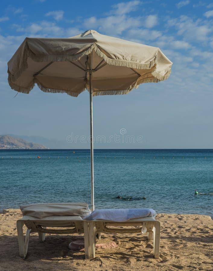 Download 在红海,埃拉特的早晨视图 库存照片. 图片 包括有 椅子, 体育运动, 愉快, 本质, 海运, 红色, 小船 - 30327478