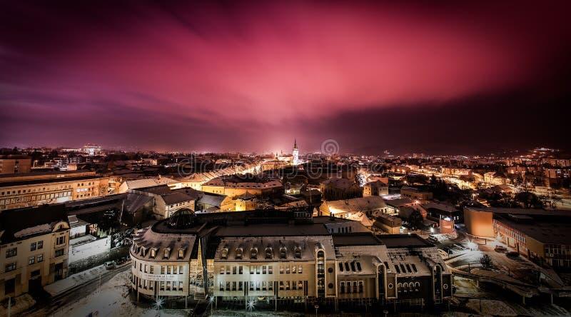 在红色射击的Presov夜 免版税库存图片