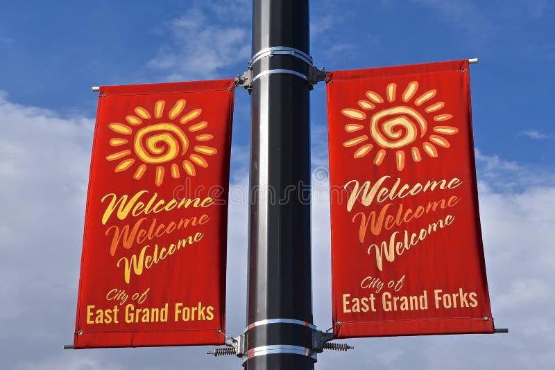 在红色的东大福克斯,明尼苏达欢迎的横幅 免版税图库摄影