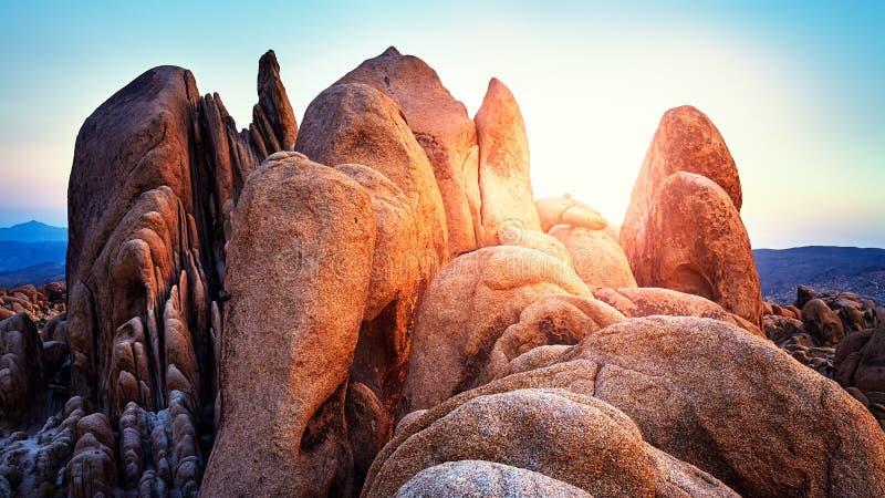 在约书亚树国家公园的岩层 免版税库存照片