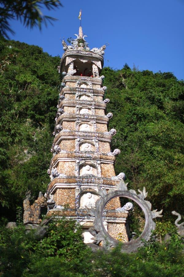 在级别的中国塔或stupa遗物的 免版税库存图片