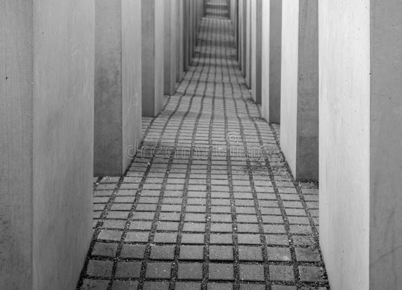在纪念品的混凝土板对欧洲的被谋杀的犹太人在柏林彼得・艾森曼设计的德国 免版税库存图片