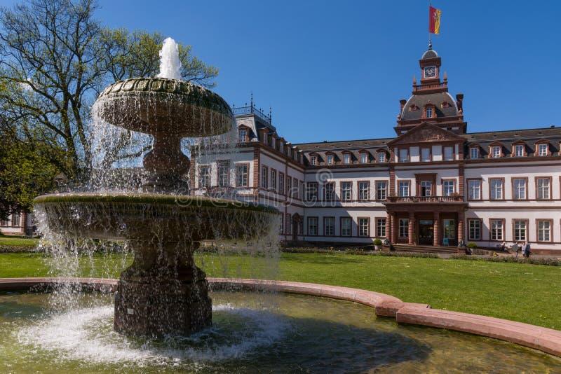 在纪念碑之外的城堡Philippsruhe哈瑙外部建筑学 免版税库存图片