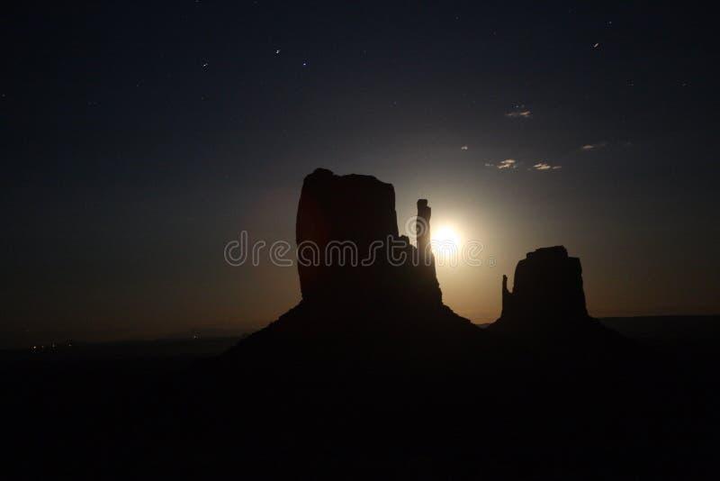在纪念碑Vally的月亮 库存图片