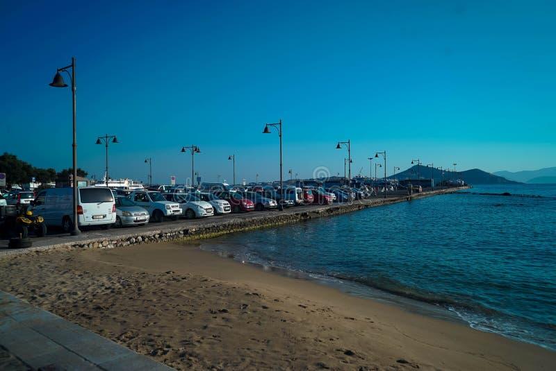 在纳克索斯的码头停车场的行  图库摄影