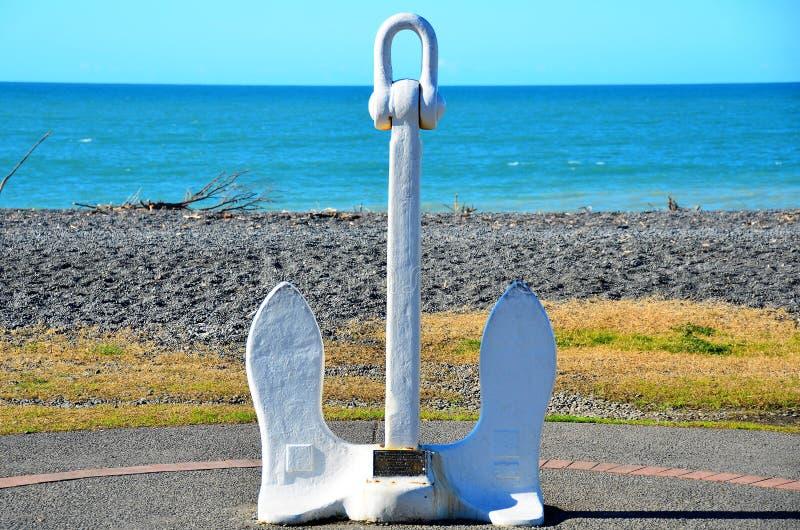 在纳皮尔海滩的船锚 免版税库存照片