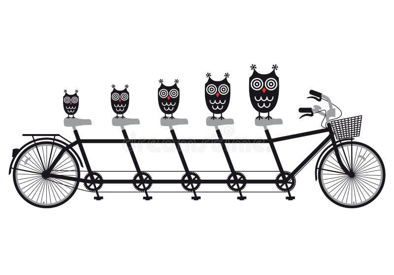 在纵排自行车,向量的猫头鹰 皇族释放例证