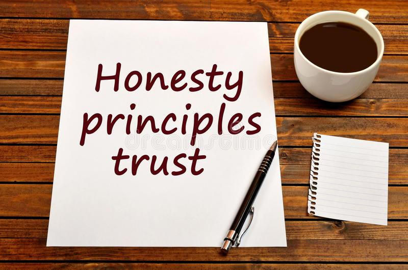 在纸的词诚实原则信任 免版税库存照片