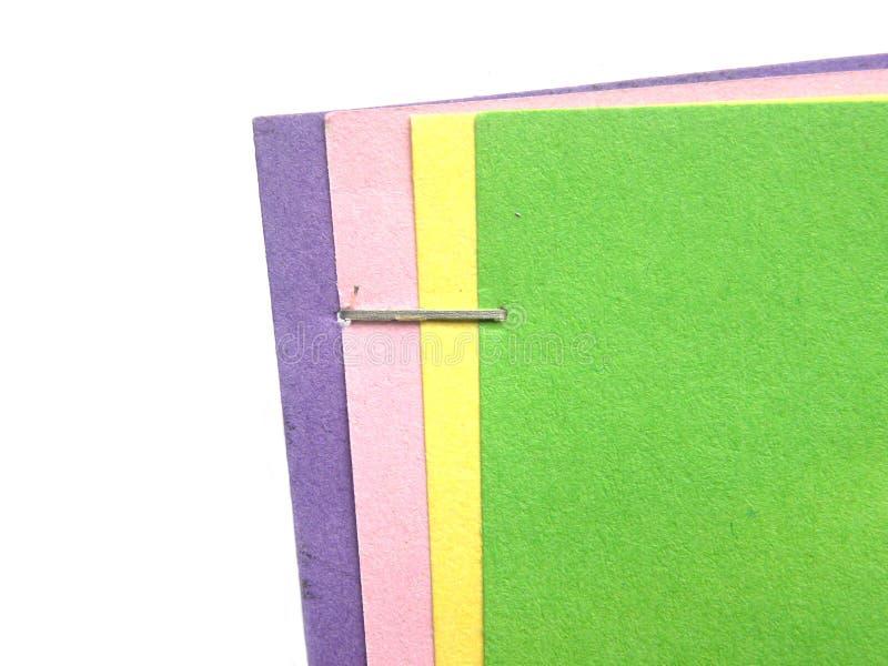 在纸的钉书针 免版税图库摄影