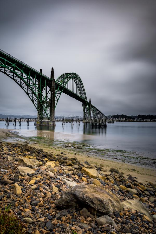 在纽波特,俄勒冈的桥梁 免版税库存图片