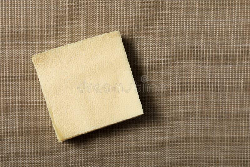 在织地不很细背景的纸巾 免版税库存照片