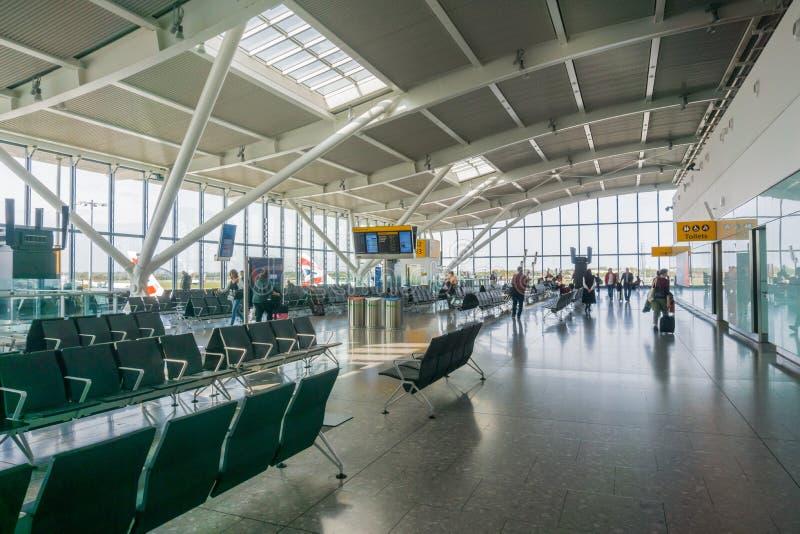 在终端5,海斯罗机场的Lounging区域 免版税图库摄影