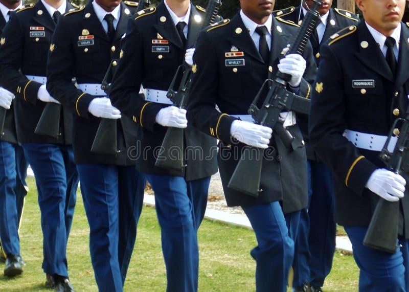 在经验丰富的纪念品的军事仪仗队 免版税库存照片