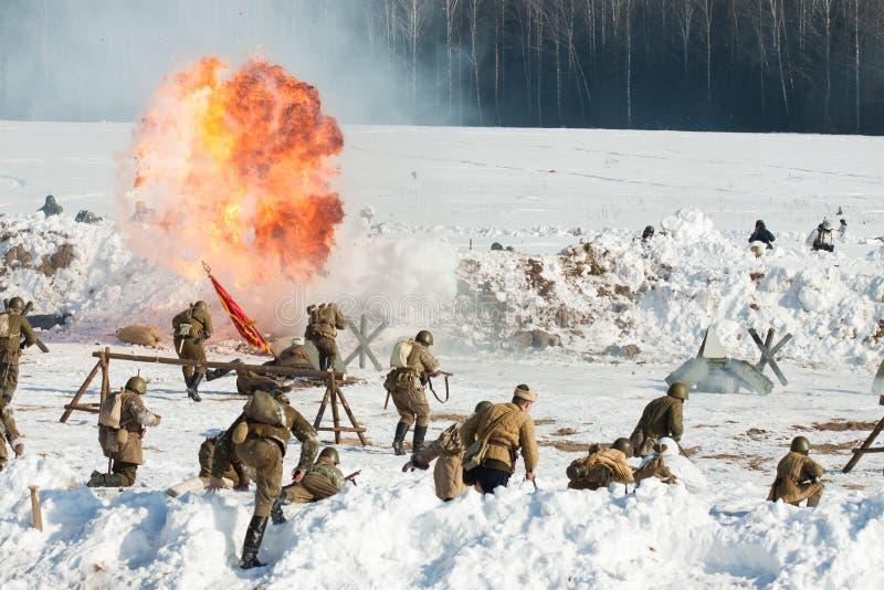 在结束斯大林格勒战役的1943年活动的重建。 库存照片