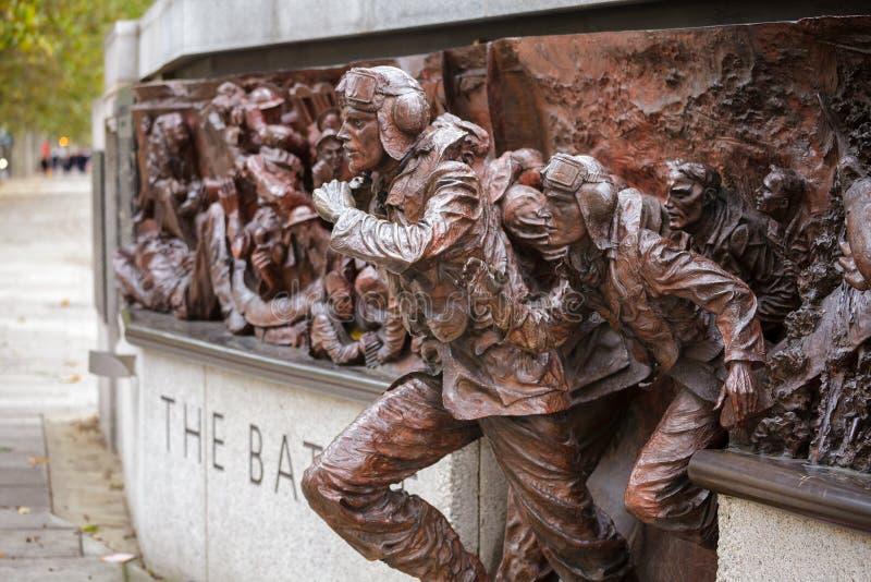 在维多利亚堤防的不列颠战役纪念碑在伦敦英国 免版税图库摄影