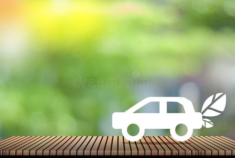在绿色背景-爱的概念的环境车世界 免版税库存图片