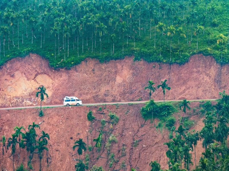 在缅甸的山路 免版税库存图片
