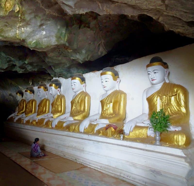 在缅甸的Buddisht洞 库存照片