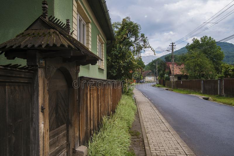 在罗马尼亚传统建筑风格的老vilage 免版税库存图片