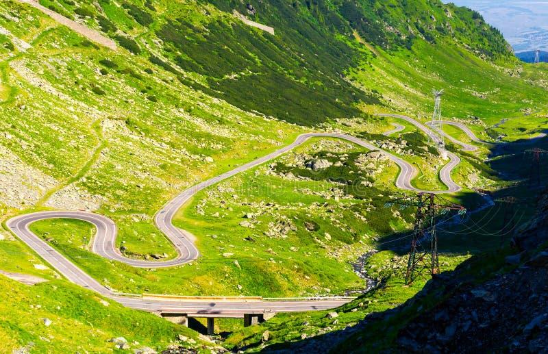 在罗马尼亚山的传奇Tranfagarasan路 免版税库存图片
