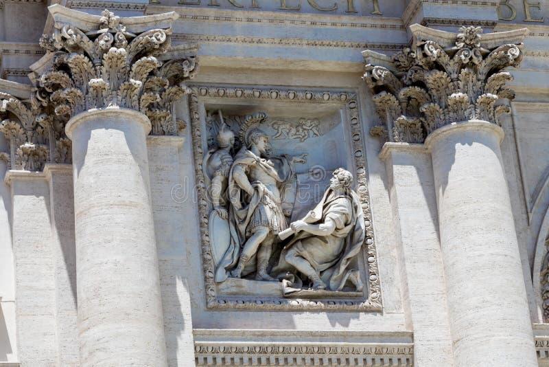 在美丽的Trevi喷泉的雕象 库存照片