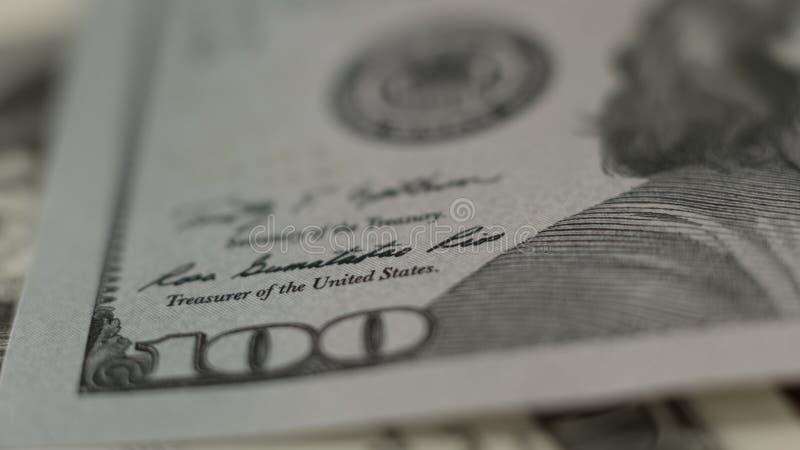 在美国的仔细的审视一一百美元钞票,美国纸币,银行业务 库存图片