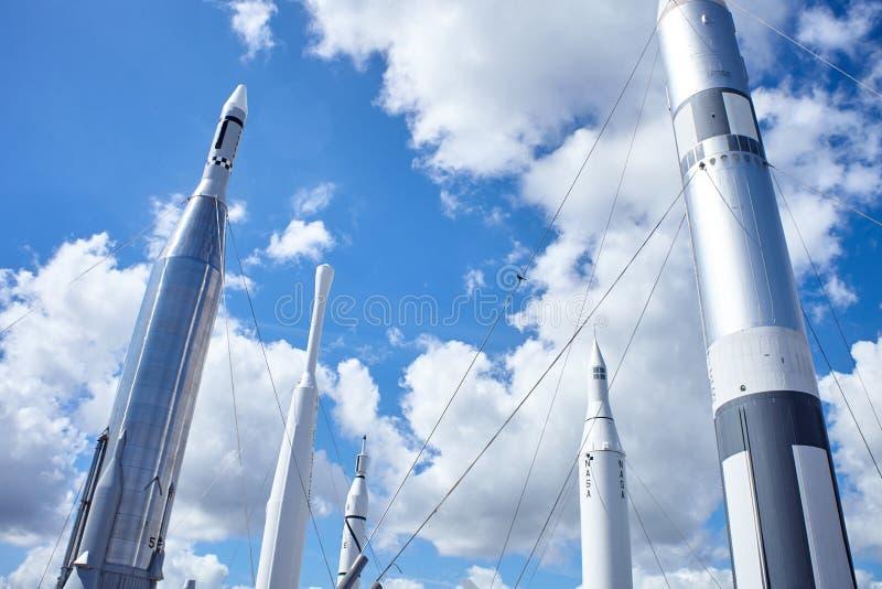 在美国航空航天局肯尼迪航天中心佛罗里达的火箭队 图库摄影