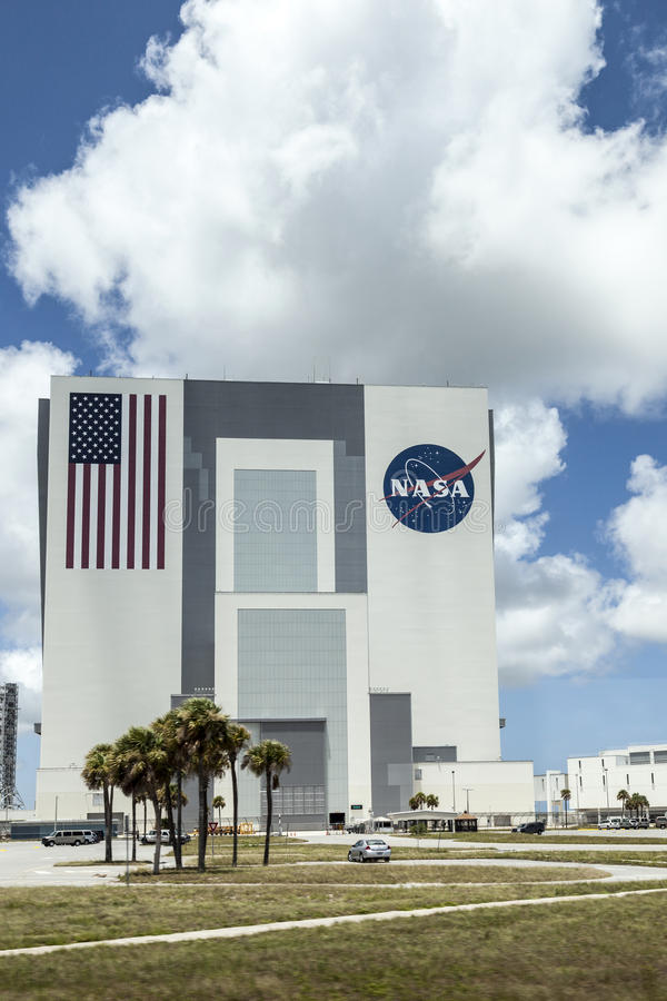 在美国航空航天局,肯尼迪空间的车汇编大厦 免版税库存照片