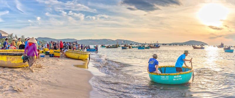 在美奈渔村使在鱼的轻快贸易环境美化 库存照片