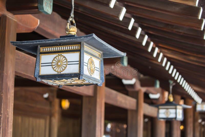 在美济礁津沽寺庙,原宿,东京,日本的日本灯 图库摄影
