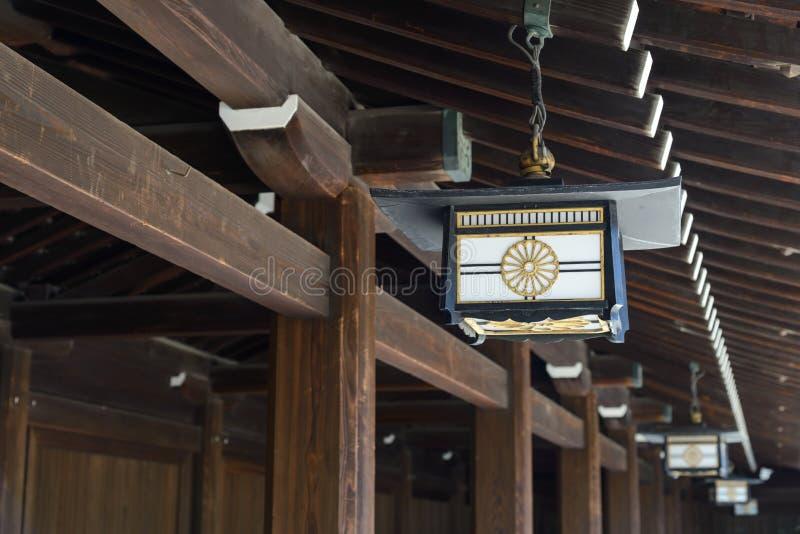 在美济礁津沽寺庙,原宿,日本的日本灯装饰 免版税库存图片