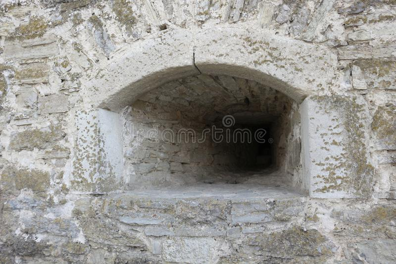 在老堡垒的城楼的发射孔 库存图片