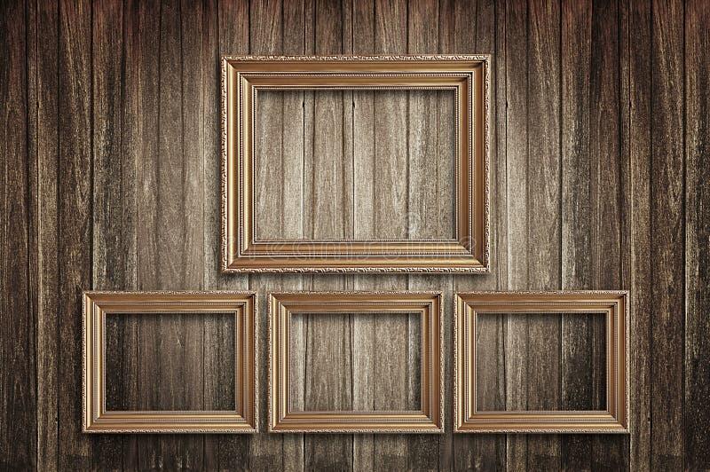 在老墙壁上的画框 免版税库存图片