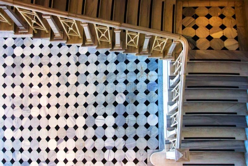 在老大厦的台阶 大理石台阶 库存照片